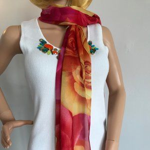 Graphic roses scarf